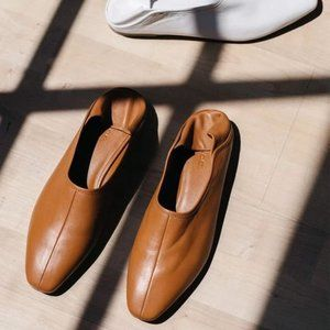 VINCE Branine Sheepskin Leather Collapsable Flats